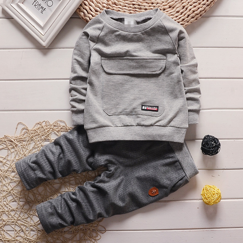 2018 Spring & Autumn new boys set 4 colors children brief solid color t-shirt+ grey pants baby boys sports suit kids casual set kids clothes sets wholesale spring and autumn boys sports leisure suit t shirt hoodie long pants free shipping in stock