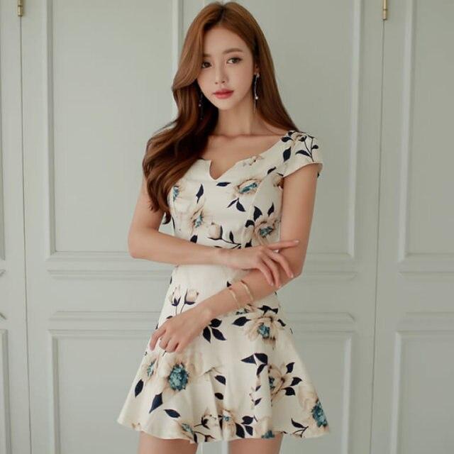 c09c296ef22d7 2018 Verão de Manga Curta Floral Impressão Pano Mulheres Plissadas Mini  Sexy Bonito Vestido Dia