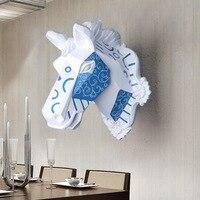 Montaż ścienny niebieski i biały wall art tablica trofeum głowa konia hunt rzeźby-faux taxidermy nowoczesne wiszące wystrój domu ornamnent