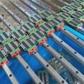 Un conjunto de 20mm carril linear 2 unidades en 1400mm de largo con 4 carriagesHGH20CA