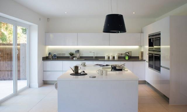 2017 Modulare Küchenschrank China Lieferanten Neue Design Küche Möbel  Hochglanz Weiß Lack Modulare Küche Heiße Verkäufe