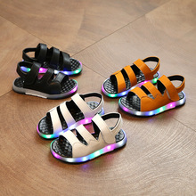 2017 new children's light shoes LED flashing lights sandals beach shoes baby shoes non-slip casual shoes