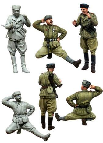 1/35 Resin Figure Red Army Soldier At Rest 2pcs/set Model Kits