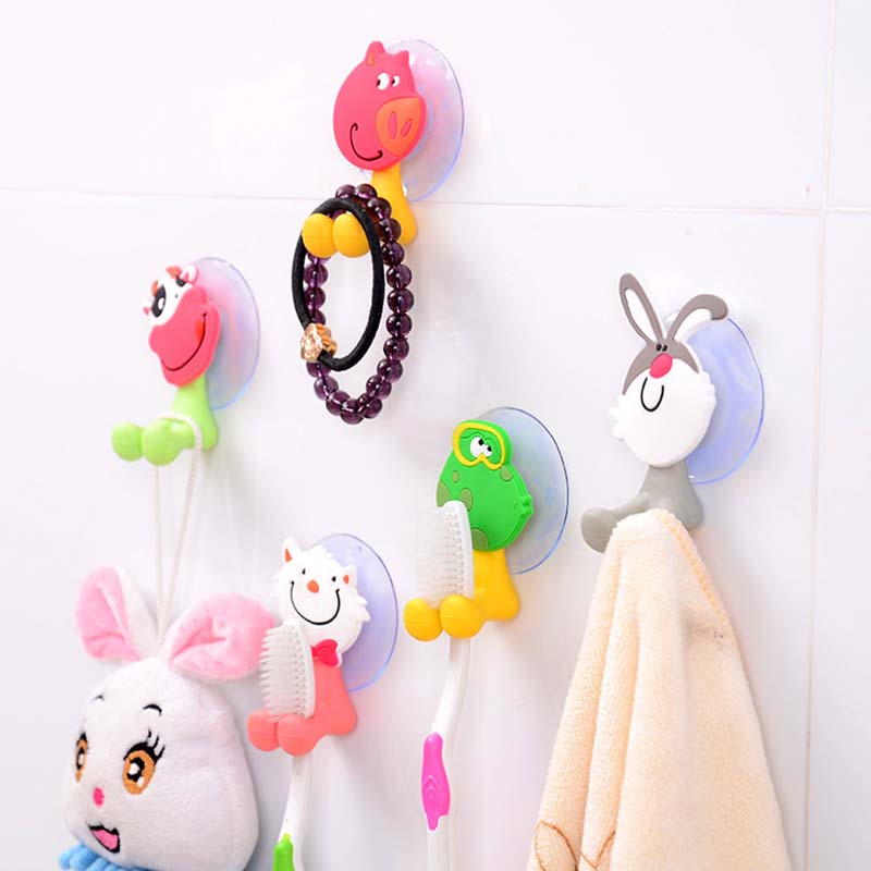 Random 5Pcs Baby Care Grooming & Healthcare Kits Cute Cartoon Sucker Suction Hooks Set Hanging Baby Toothbrush Holder Towels
