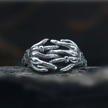 925 Sterling Silver Men Jewelry Punk Gothic Finger Claw Biker Rings Skull Hand Bone Couple Jewelry Accessories