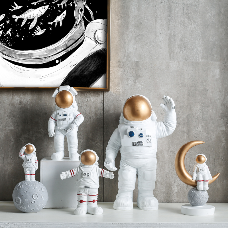 Creative Lovely Modern Astronaut Miniatures Figurine Resin Craft Home Garden fashion tabletop Furnishing articles wedding decor