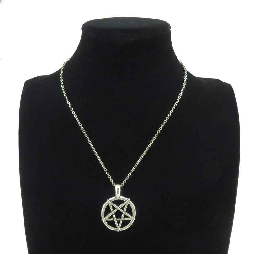 R839 8-2 Silver Pentagram Witch Star Pendant Short Chain Collar Necklace 18""