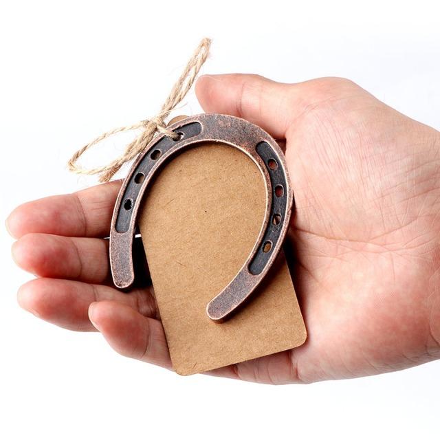 Our warm Metal herradura regalos de boda de recuerdo MESA DE BODA centros de mesa etiquetas de papel Kraft DIY tarjeta en blanco bebé recuerdo de Ducha