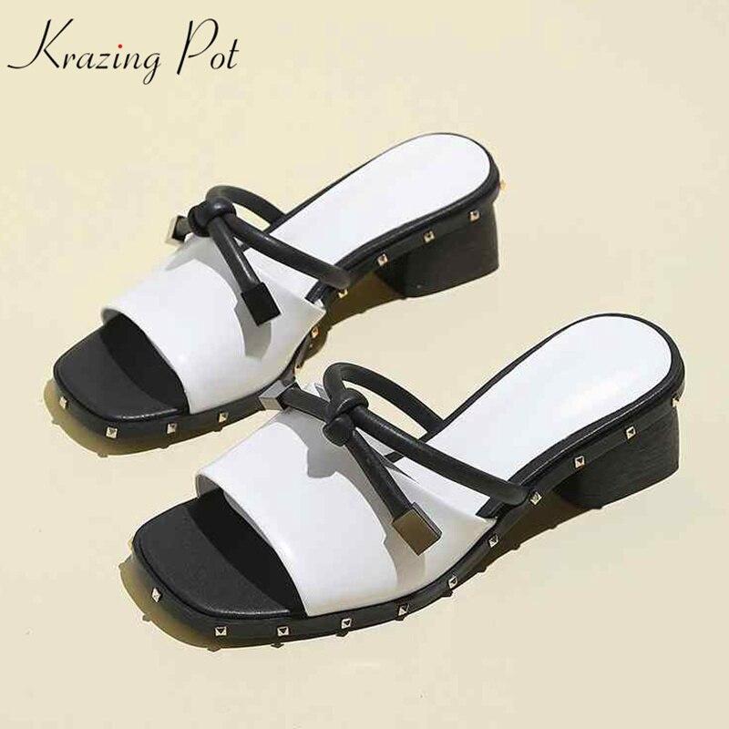 krazing pot genuine leather slip on peep toe women sandals concise style superstar square med heels rivets decoration mules L1f1 цена 2017