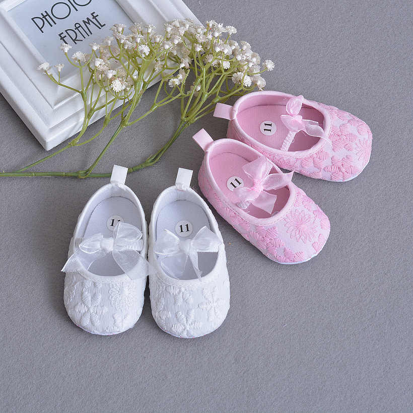 33e733620b112 Newborn Baby Girl Shoes Embroidered Lace Soft Soled First Walker Infant  Toddler Booties Shoes for Baby