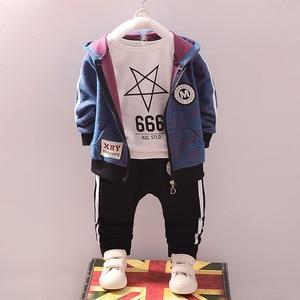 Image 2 - Эксклюзивная одежда для маленьких мальчиков, платье с капюшоном для мальчиков, джентльменский осенний костюм, Детская осенняя школьная одежда