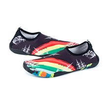 TIOSEBON Men Beach Shoes Women Walking Lightweight Soft Unisex Flat Casual Sport Swim Sneaker Elastic Rainbow Print Water Shoe