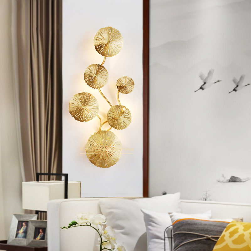 Modern Lustre Golden Sconces Wall Lamp Lotus Leaf Bedside Living room Background Decoration Wall Mounted Light Fixture 110 220VModern Lustre Golden Sconces Wall Lamp Lotus Leaf Bedside Living room Background Decoration Wall Mounted Light Fixture 110 220V