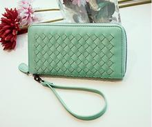 The new 2016 ladies wallet long braid wallet in Europe and the zipper hand bag card bag lady's bills