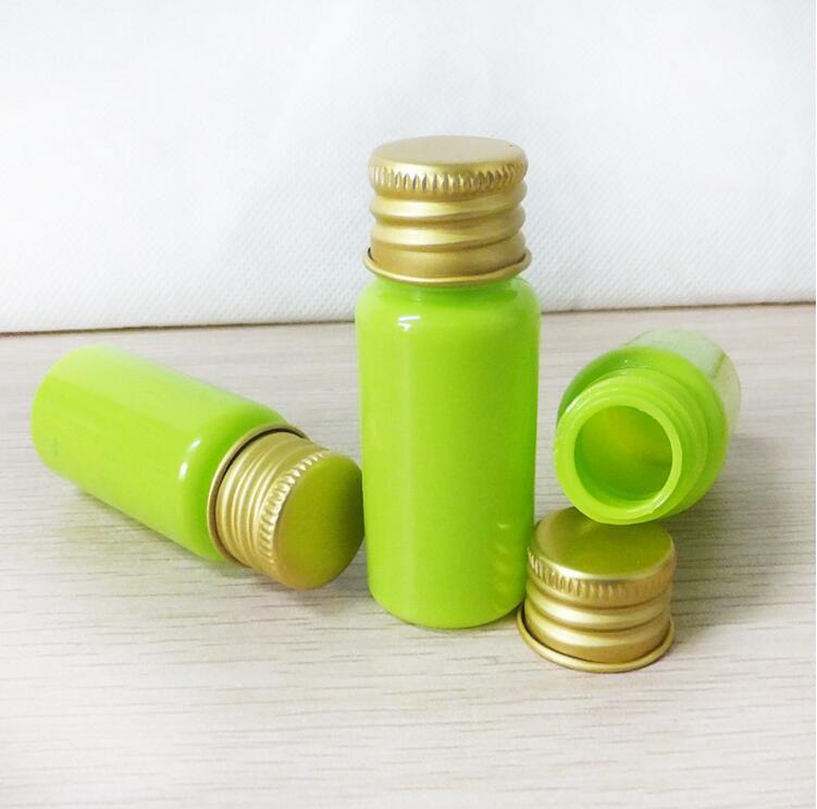 グリーン10ミリリットル小さなボトルプラスチック空の化粧品香水詰め替えボディローションpet化粧主催