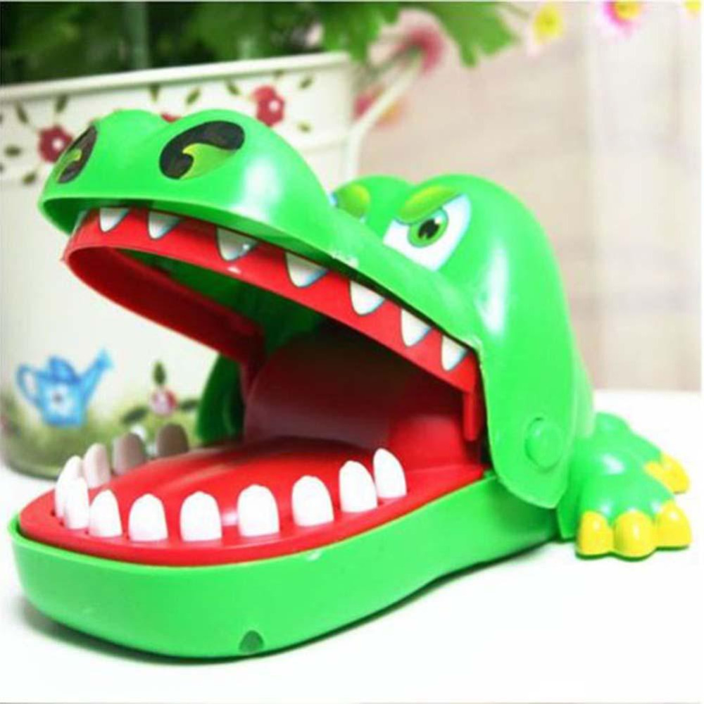 Vitoki  Practical Jokes Mouth Tooth Alligator Hand Children's Toys Family Games Classic Biting Hand Crocodile Game Random Color