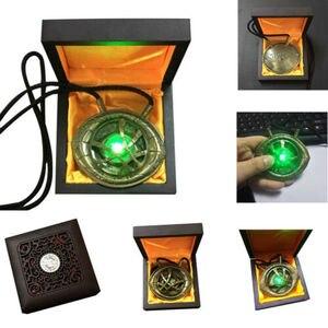 Image 1 - Doktor Strange Eye of Agamotto Cosplay naszyjnik wisiorek stop LED Light naszyjniki akcesoria do biżuterii prezent