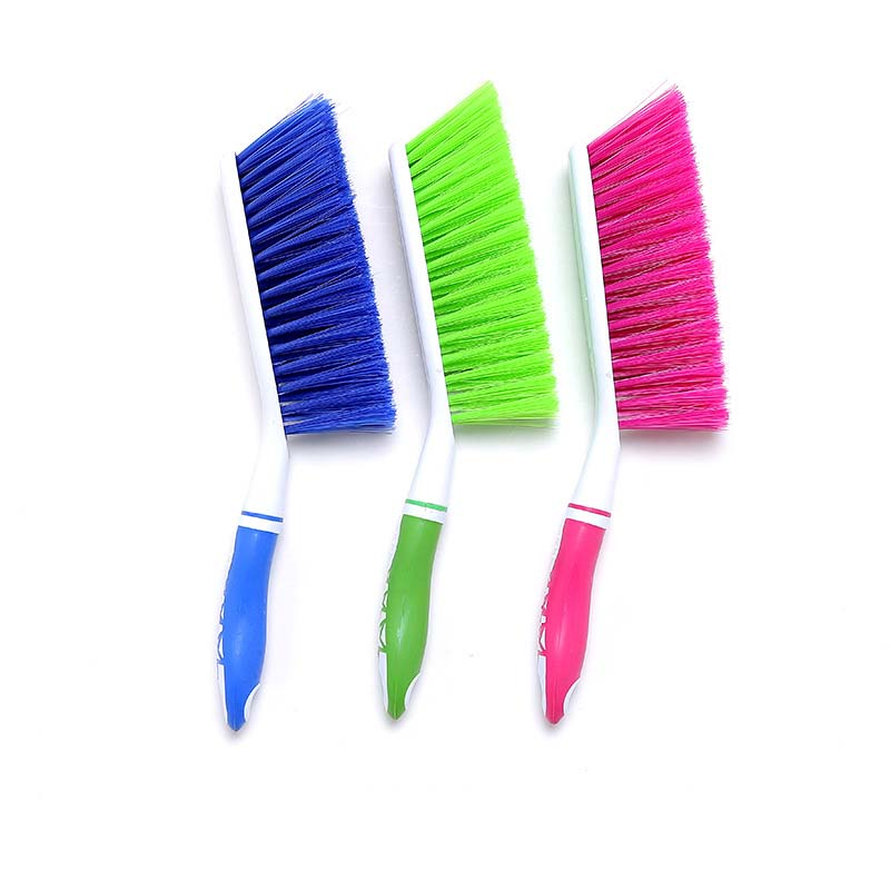 Image 4 - YangPing 1pcs Randomly Color Multifunction Dust Cleaner Dirt Remover Dust Brush Window Cleaner for Curtains Home Cleaning Tools-in Cleaning Brushes from Home & Garden