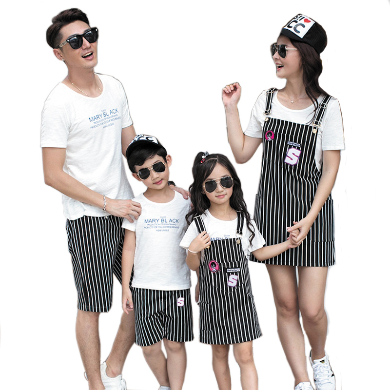 2017 Summer time household matching Outfits Mom Daughter Tops & clothes striated costume father son T shirt & Pants units mom daughter, household matching, household matching outfits,Low cost mom...