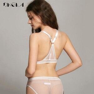 Image 3 - Novo conjunto de calcinha de sutiã transparente lingerie feminina rendas bordado sutiã sem fio colete sutiã y linha correias sexy conjuntos de roupa interior