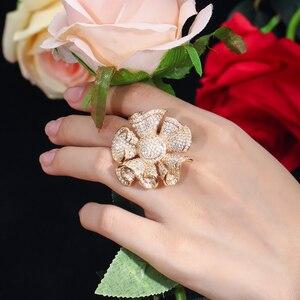 Image 3 - Pera יוקרה צהוב זהב צבע מלא Shinning מעוקב Zirconia גדול פרח צורת צמיד וטבעת נשים אירוסין מסיבת תכשיטי Z031