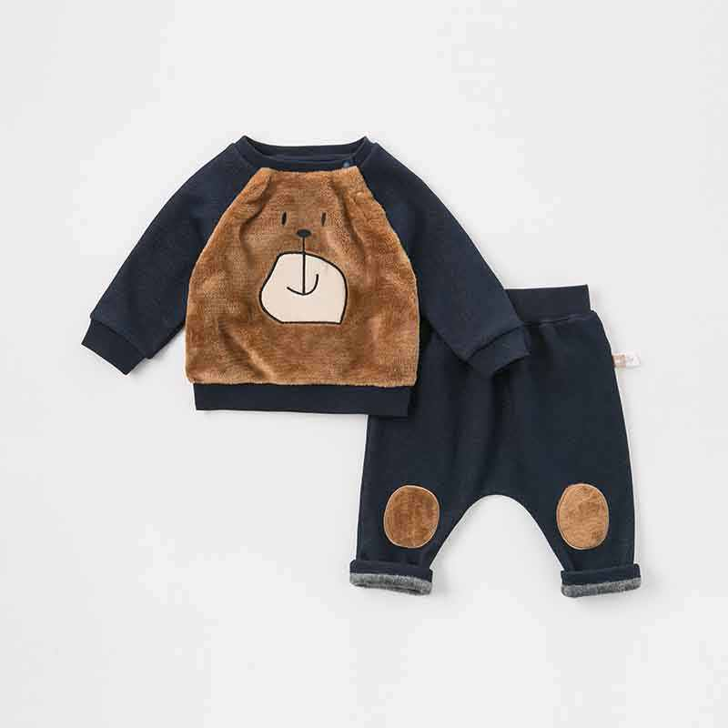 DBW8215 Dave Bella Musim Gugur Bayi Perempuan Fashion Pakaian Set Indah Lengan Panjang Cocok untuk Anak-anak Beruang Cetak Pakaian