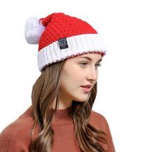 c36888307869b MISSKY Hiver Femmes De Noël Santa Bonnet De Laine Doux Tricoté Cap Rouge et  Blanc Chapeau De Noël Partie Accessoires