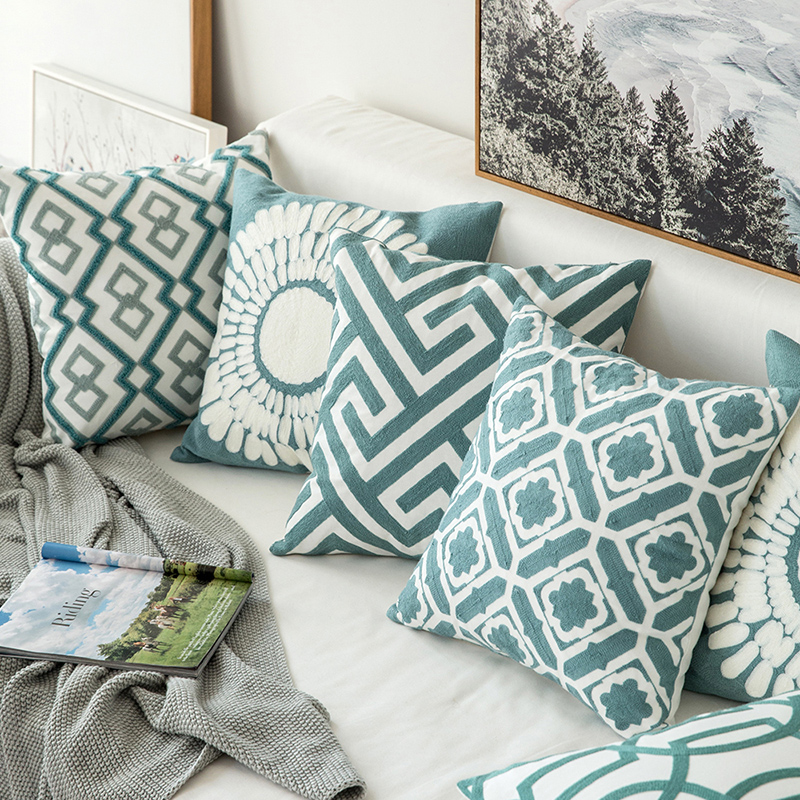 Наволочка для подушки с вышивкой, 45 х45 см