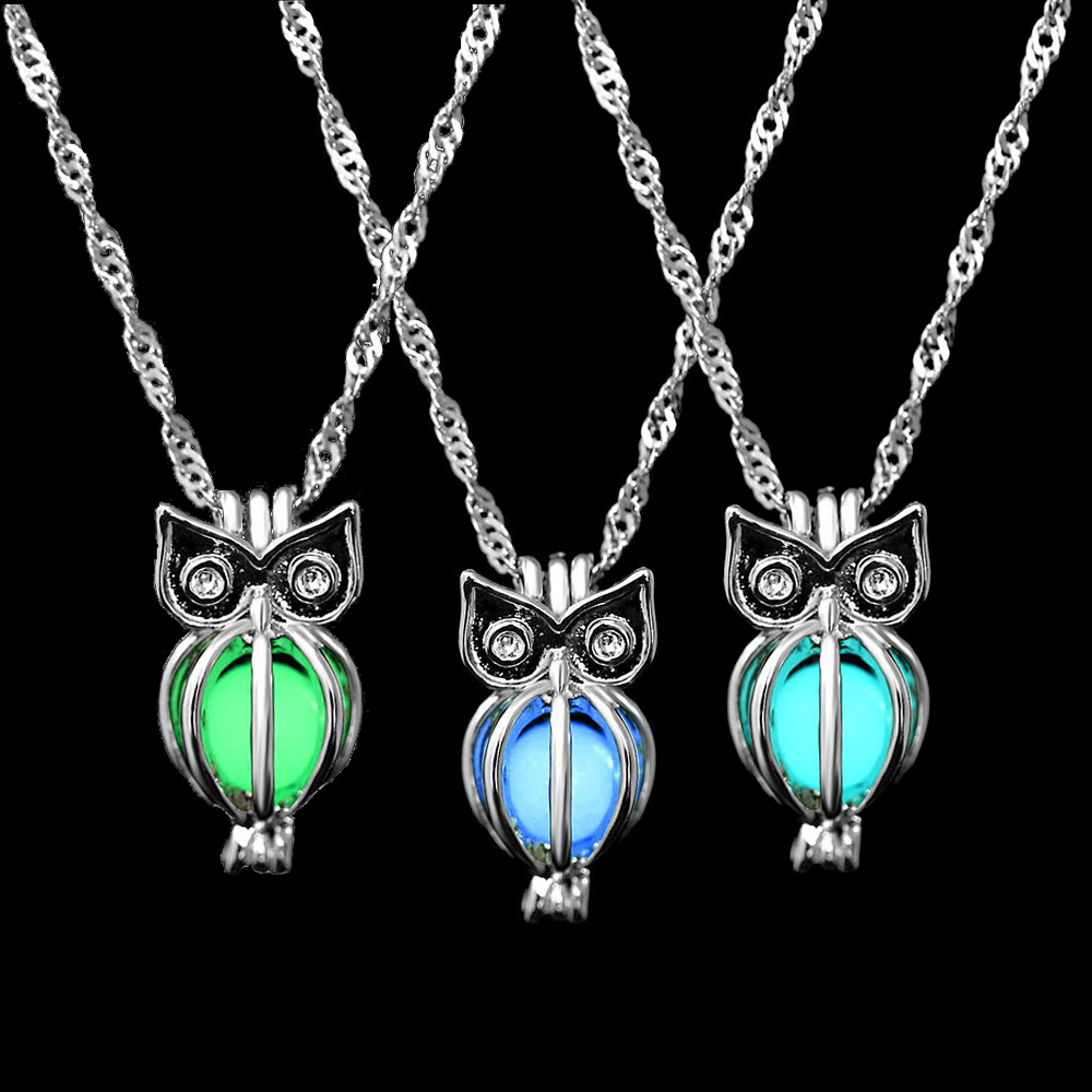 GIFT Unisex Silver Moon Charm Chain Necklace Luminous Glow In the Dark Pendant