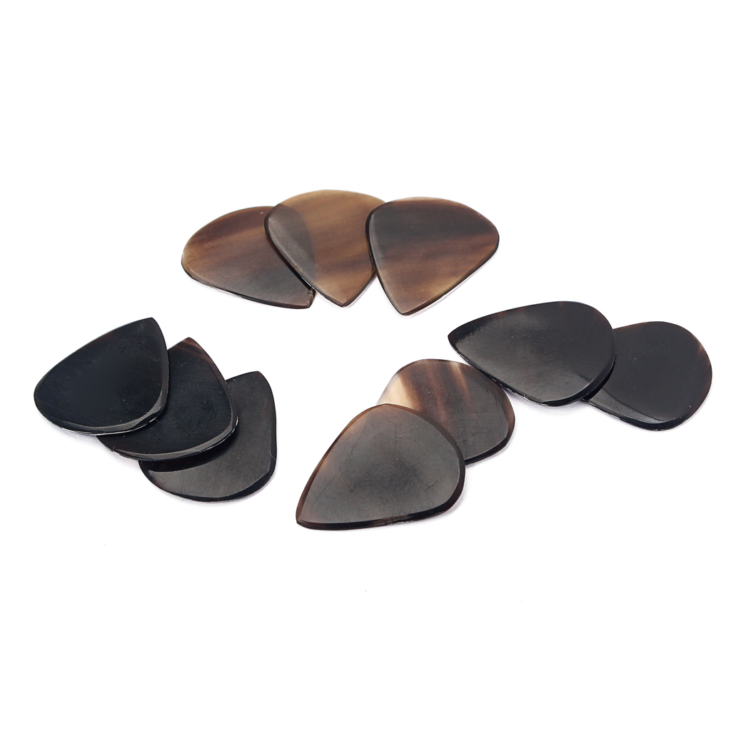 Купить с кэшбэком 10pcs Guitar Picks Plectrum Artificial Horn Musical Instruments Part Access for Bass Banjo Mandolin Instrument 26.5mm*22.5 mm