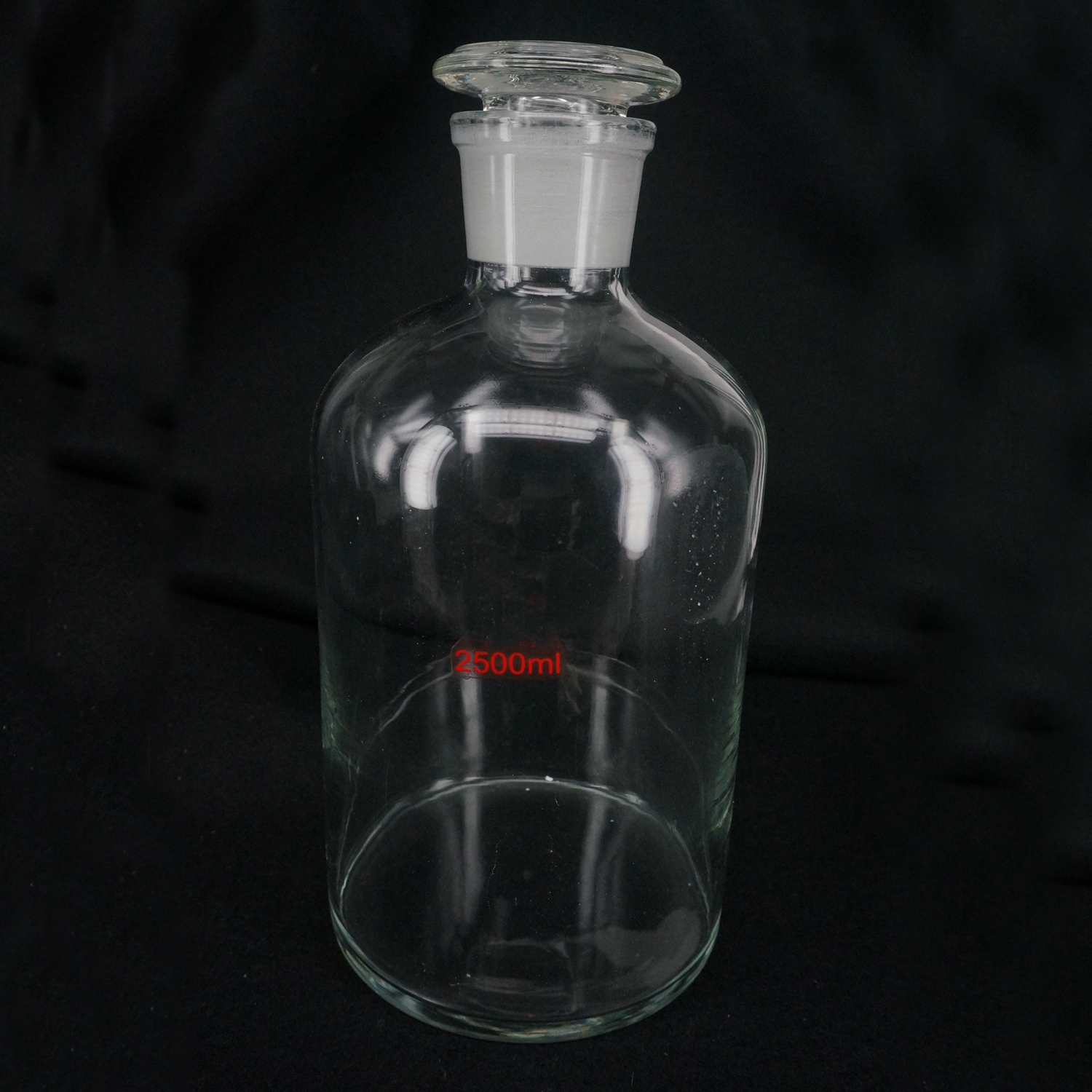 2500ml Glass Reagent Bottle With Ground-in Glass Stopper Narrow Mouth Transparent Glass Bottle2500ml Glass Reagent Bottle With Ground-in Glass Stopper Narrow Mouth Transparent Glass Bottle