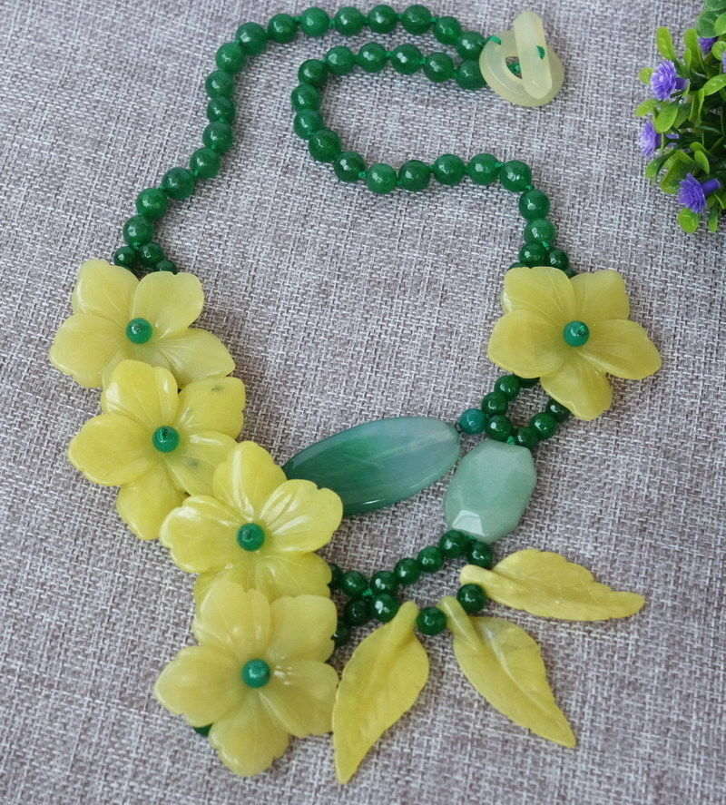 hot sale Green Lemon stone carved flower necklace