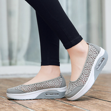 Platform womens vulcanized shoes soft comfortable ladies autumn casual breathable embroidered