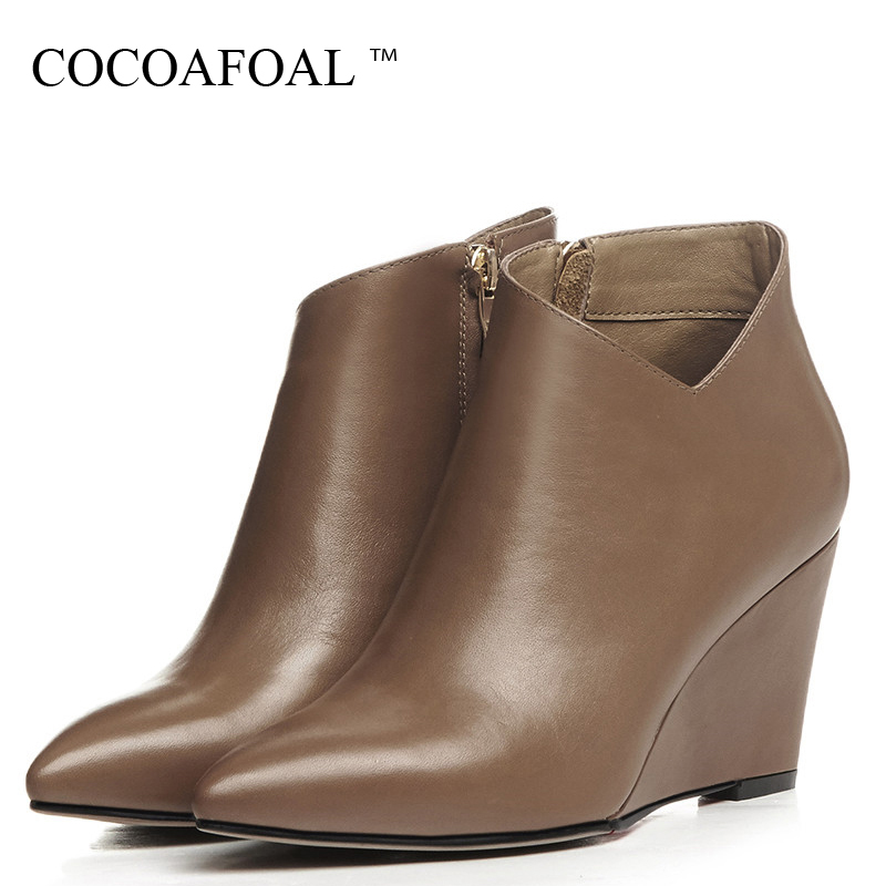 купить COCOAFOAL Autumn Winter Women's Wedges Ankle Boots Woman Shoes Pointed Toe High Heels Martin Boots Genuine Leather Chelsea Boots недорого