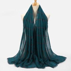 Image 4 - Klasik kareli Tartan pamuk vual müslüman başörtüsü eşarp bayanlar uzun çapraz çizgili çift renk İslam hicap şal Wrap eşarp