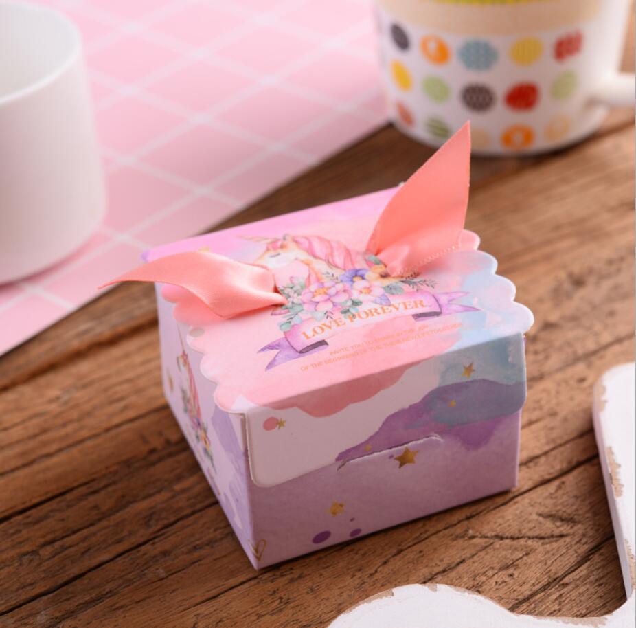 יום הולדת חד קרן נרות קאפקייקס עוגות עוגיות טופרים לייף-דיזיין להזמנה