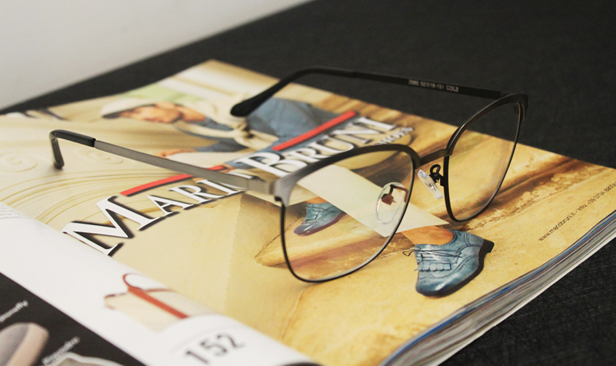 ba9fb3008e6 Latest Design Eyebrow Metal Glasses Brushed Color Precious Metal ...