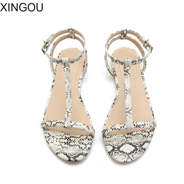 New 2018 summer women sandals European fashion simple flat sandals with flat  sandals Serpentine T-type Leather shoes women