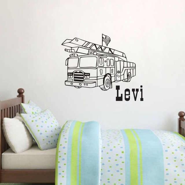 Персонализированная индивидуальная именная Настенная Наклейка пожарная машина Съемные Виниловые художественные наклейки на стену домашний декор для комнаты для мальчиков