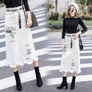 Image 2 - Kobiety z przodu z dziurami, dżinsowe spódnica 2020 nowa moda wiosna letnie, długie spódnice wysokiej talii na co dzień białe dżinsy spódnica Plus rozmiar 5XL