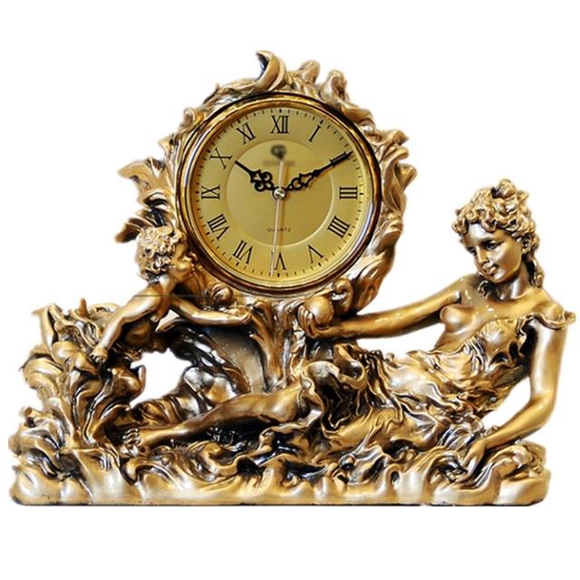 4e476b06e51 Europeu Moda Home Decor Resina Artesanato Relógio de Mesa Antigo Relógio de  Ouro Estátua de Deusa
