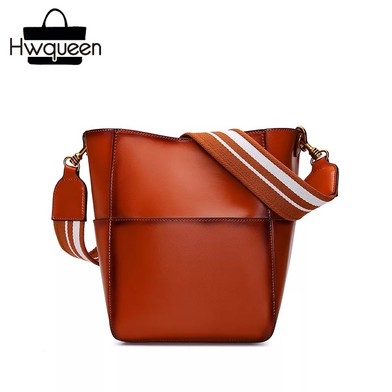 купить Luxury Two-sets Designer Genuine Leather Lady Single One Shoulder Bag Wide Lanyard Strap Women Bucket Purse Female Composite Bag по цене 3470.35 рублей