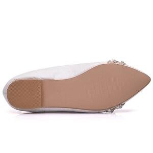 Image 3 - Crystal Queen Vrouwen Bruids Schoenen handgemaakte Dame parel witte bruiloft schoenen flats sexy comfortabele Witte Parel Jurk Schoenen