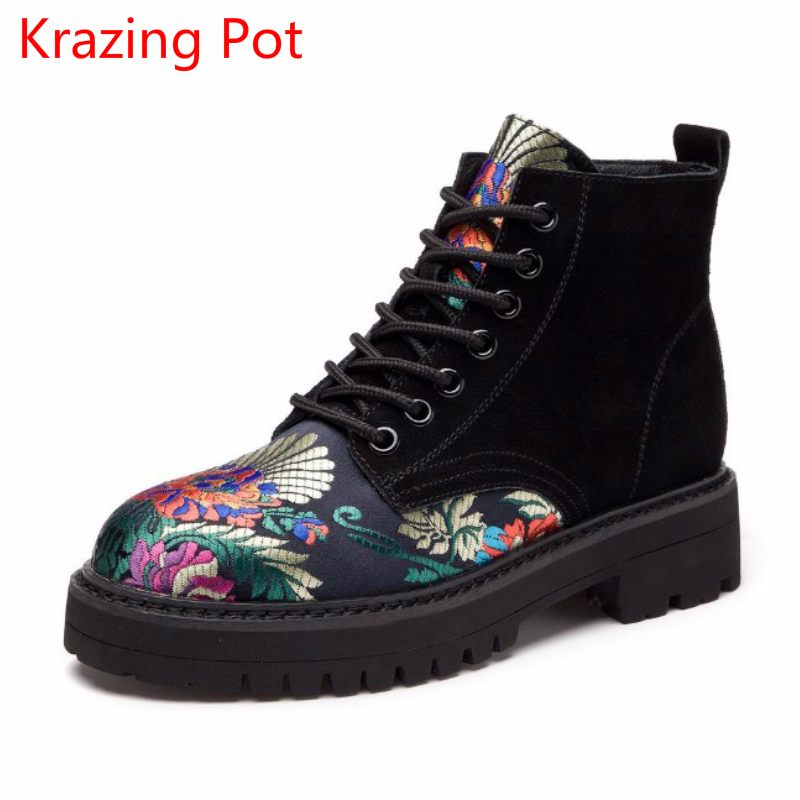 2018 Superstar Embroidery Silk Cow Suede Med Heels Flower Winter Boots Streetwear Round Toe Lace Up Ankle Boots for Women L15 2018 superstar cow suede streetwear square toe zipper high heels winter boots keep warm office lady ankle boots for women l50