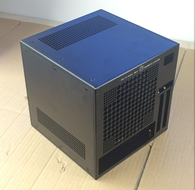 Noir nouveau design installer SFX alimentation ITX carte mère refroidi par air coque d'ordinateur/châssis/boîte de bricolage (216*216*216 MM)