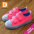 Sólido lienzo niños shoes nuevo 2017 otoño más ligero de color fluorescente de goma casual kids shoes para niños niñas zapatillas de deporte