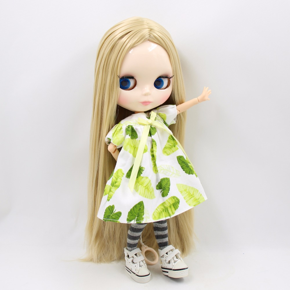 Neo Blythe Doll Green Dress With Hat & Stockings 2