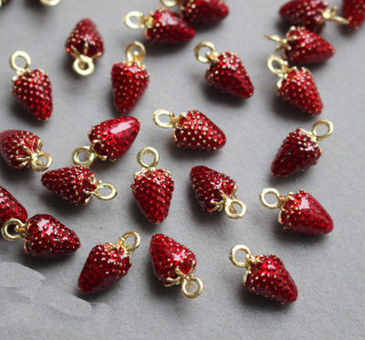 10pcs/lot Jewelry Making Drip Alloy Charm Pendant Accessories Red Strawberry Enamel Charm 10*16mm(China)