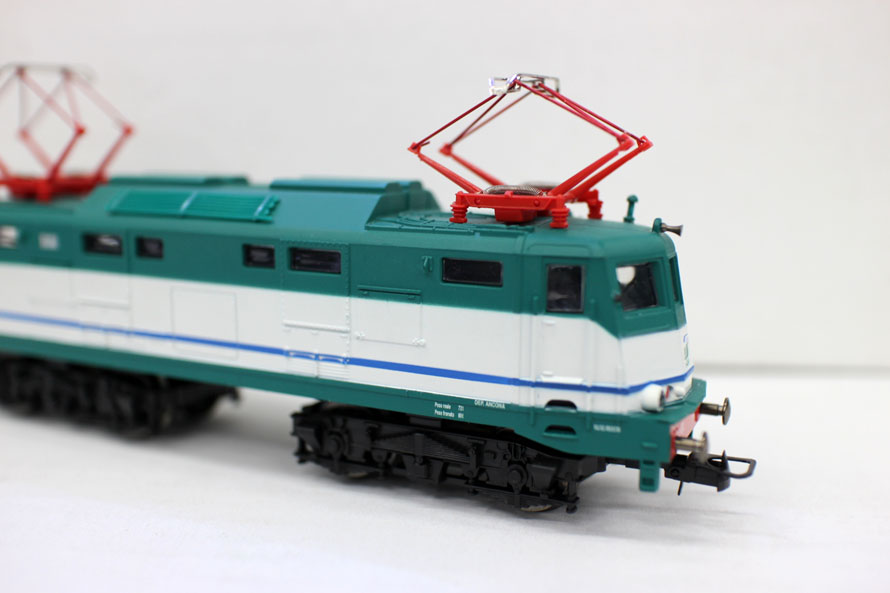 Classic 1 87 Model Train Ho Scale Miniatures Electric locomotive sand table model Tram Free Shipping
