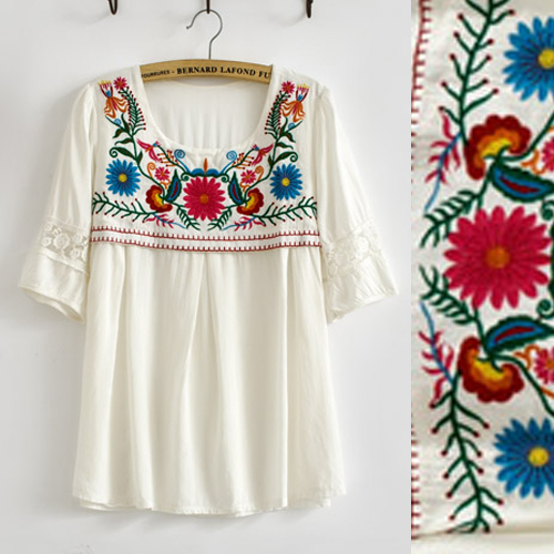 Vintage 70s bohemian Mexican Retro Crochet BIG Floral Embroidered LOOSE  Lace top White Cotton Blouse Womens